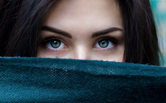 3+1-tipp-hogy-megallitsd-szemeid-oregedeset